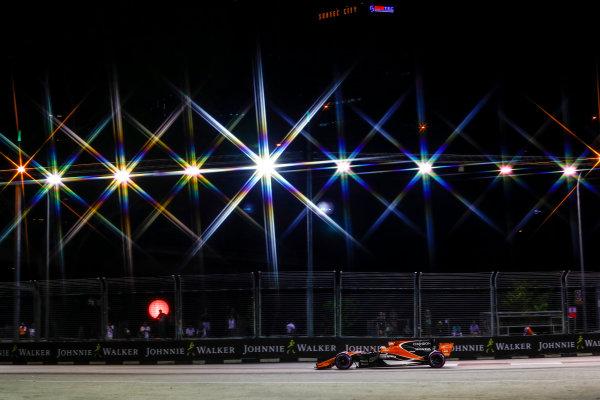 Marina Bay Circuit, Marina Bay, Singapore. Saturday 16 September 2017. Fernando Alonso, McLaren MCL32 Honda.  World Copyright: Steven Tee/LAT Images  ref: Digital Image _O3I0287
