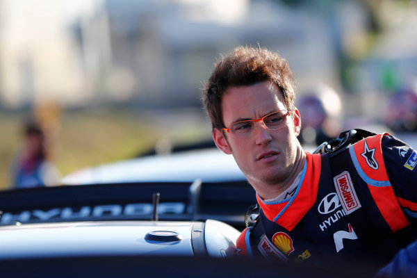 Thierry Neuville needs a good result to keep the pressure on Sebastien Ogier in the race for the Drivers' title.