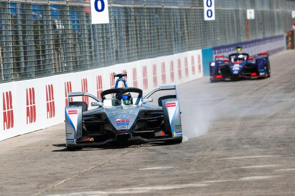 Felipe Massa (BRA), Venturi Formula E, Venturi VFE05 locks up a tyre.