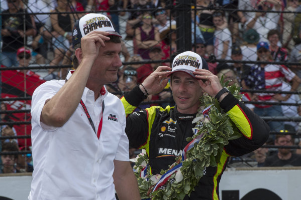 Simon Pagenaud, Team Penske Chevrolet, with Tim Cindric