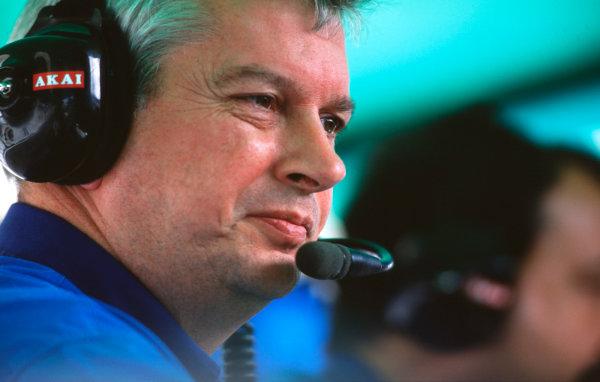 1998 Hungarian Grand Prix.Hungaroring, Budapest, Hungary.14-16 August 1998.Benetton Technical Director Pat Symonds.World Copyright - LAT Photographic/Steven Tee LAT
