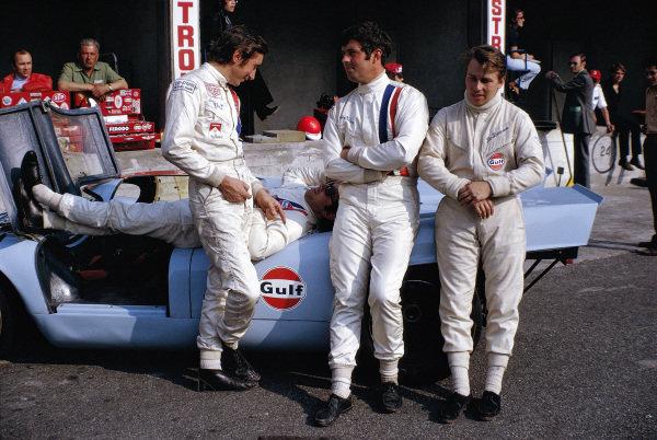 The Gulf-Porsche drivers Jo Siffert, Pedro Rodriquez, Brian Redman and Leo Kinnunen.