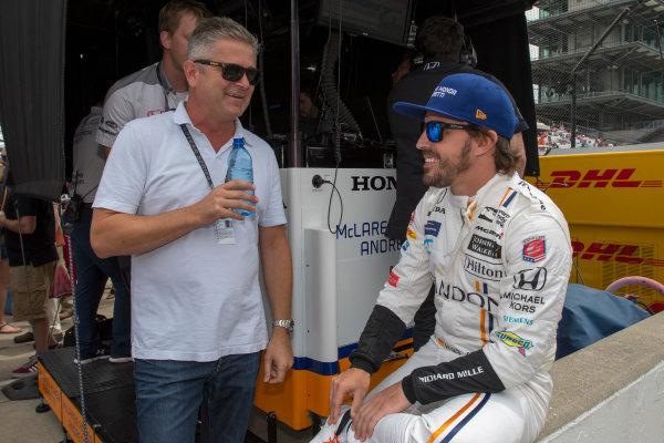 Verizon IndyCar Series Indianapolis 500 Practice Indianapolis Motor Speedway, Indianapolis, IN USA Wednesday 17 May 2017 Fernando Alonso, McLaren-Honda-Andretti Honda talks to Gil de Ferran World Copyright: Geoffrey M. Miller LAT Images