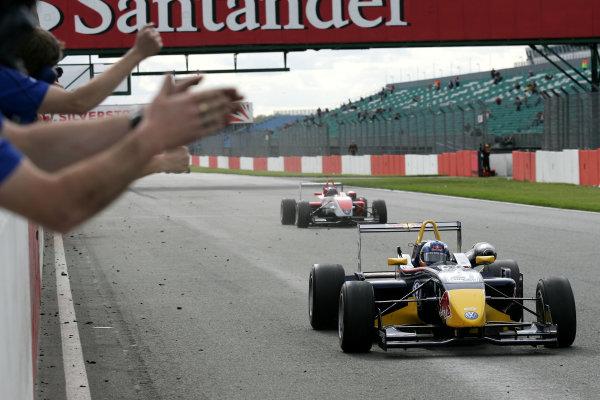 Silverstone, Great Britain. 3rd - 5th May 2009.Daniel Ricciardo (AUS) - Carlin Motorsport Dallara Volkswagen.World Copyright: Ebrey/LAT Photographic.