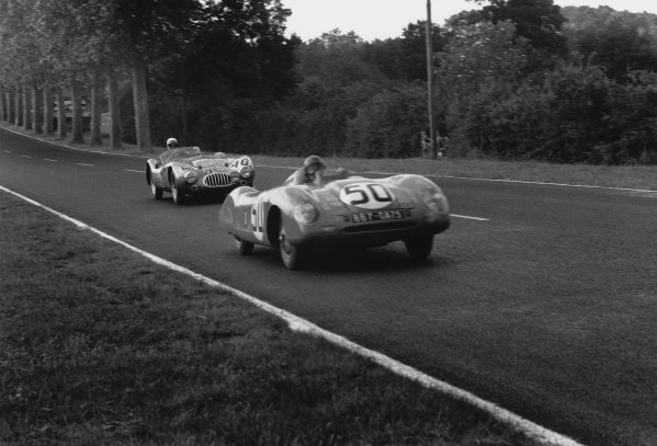 Le Mans, France. 11th - 12th June 1955 Pierre Chancel/Robert Chancel (Panhard VM5 ), retired, leads Alan Rippon/Ray Merrick (Kieft - Climax), retired, action. World Copyright: LAT Photographic Ref: 302 - 7.
