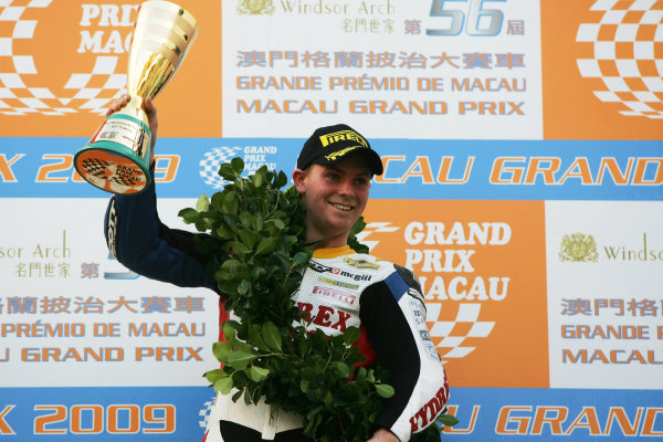 19th - 22nd November 2009. Circuit de Guia, Macau. Stuart Easton, (Hydrex IGT Honda).  on the podium.Portrait. World Copyright: Drew Gibson/LAT Photographic.ref: Digital Image _Y2Z2239