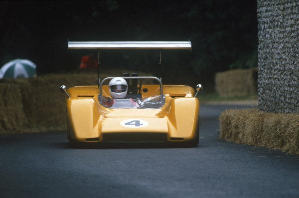 Goodwood House, East Sussex, England. 23-25 June 2000.McLaren M8B, action.World Copyright: Jeff Bloxham/LAT Photographic.