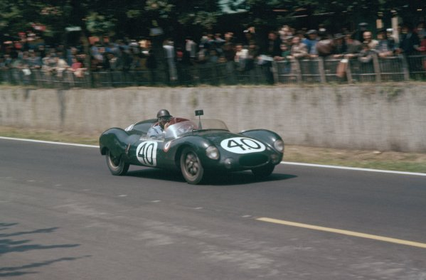 1957 Le Mans 24 hours. Le Mans, France. 22-23 June 1957. Jack Brabham/Ian Raby (Cooper T39-Climax), 15th position. World Copyright: LAT Photographic Ref: 57LM09