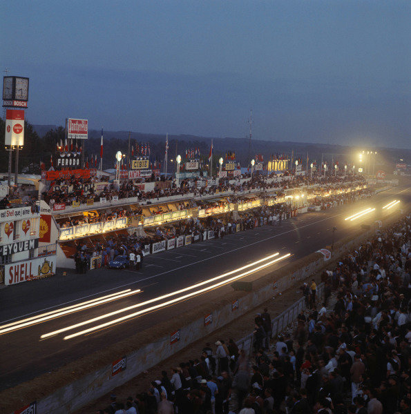 Le Mans, France.19-20 June 1965.The pits at night. Ref:1705.World Copyright: LAT Photographic