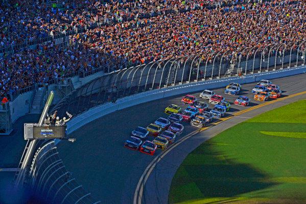 13-21 February, 2016, Daytona Beach, Florida USA Denny Hamlin, FedEx Express Toyota Camry noses ahead of Martin Truex Jr, Furniture Row Toyota Camry to win the Daytona 500. ?2016, F. Peirce Williams LAT Photo USA