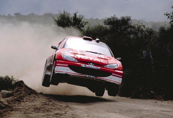 2003 World Rally Championship Rally Argentina, Cordoba, Argentina, 7th - 11th May 2003. Richard Burns/Robert Reid (Peugeot 206 WRC), action. World Copyright: LAT Photographic ref: 03WRCArg16