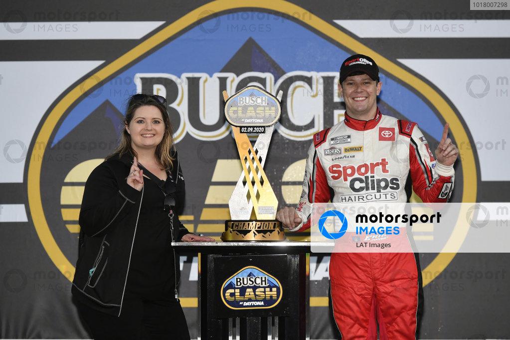#20: Erik Jones, Joe Gibbs Racing, Toyota Camry Sports Clips