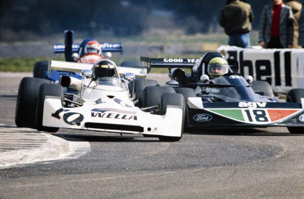 Ted Wentz, Lola T360 Ford BDA/BDG/Swindon, leads Brian Henton, March 752 Ford BDA/Hart.