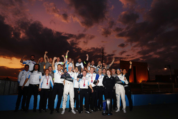 Maximilian Günther (DEU), BMW I Andretti Motorsports, Alexander Sims (GBR) BMW I Andretti Motorsports, and the team celebrate after winning the race