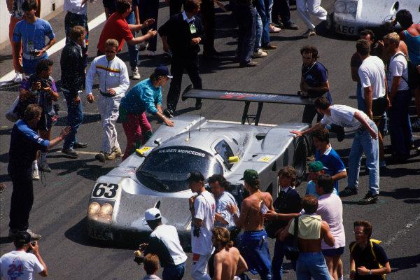 Le Mans, France. 10th - 11th June 1989.Jochen Mass/Manuel Reuter/Stanley Dickens (Sauber C9-Mercedes-Benz), 1st position, action.World Copyright: LAT Photographicref: 35mm Transparency Image