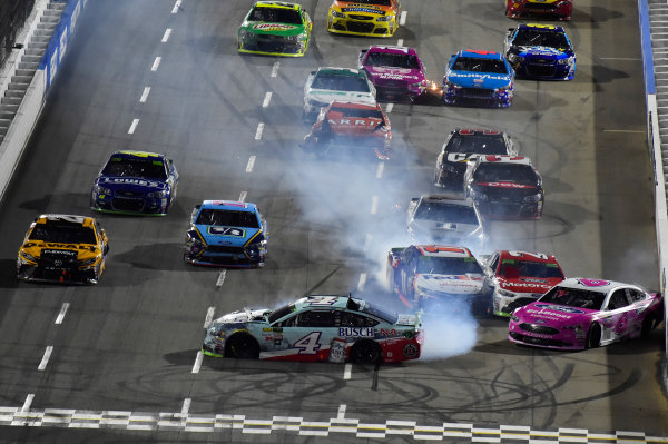 Monster Energy NASCAR Cup Series First Data 500 Martinsville Speedway, Martinsville VA USA Sunday 29 October 2017 Kevin Harvick, Stewart-Haas Racing, Busch NA Ford Fusion and Trevor Bayne, Roush Fenway Racing, EcoBoost Ford Fusion weck World Copyright: Nigel Kinrade LAT Images