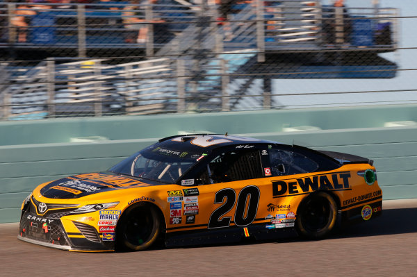 Monster Energy NASCAR Cup Series Ford EcoBoost 400 Homestead-Miami Speedway, Homestead, FL USA Sunday 19 November 2017 Matt Kenseth, Joe Gibbs Racing, DEWALT Hurricane Recovery Toyota Camry World Copyright: Matthew T. Thacker LAT Images