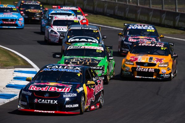 2015 V8 Supercars Round 12. Auckland 500, Pukekohe Park Raceway, Auckland, New Zealand. Friday 6th November - Sunday 8th November 2015. Jamie Whincup drives the #1 Red Bull Racing Australia Holden VF Commodore. World Copyright: Daniel Kalisz/LAT Photographic  Ref: Digital Image V8SCR12_AUCKLAND500_DKIMG1826.JPG