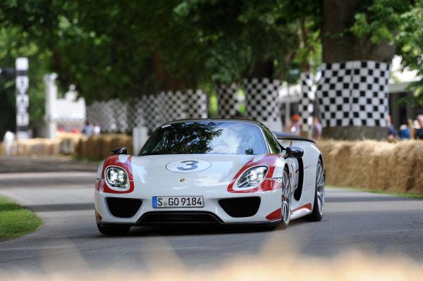 2015 Goodwood Festival of Speed 25th - 28th June 2015 Supercars World Copyright : Jeff Bloxham/LAT Photographic Ref : Digital Image