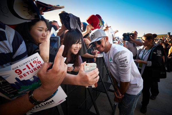 Circuit of the Americas, Austin Texas, USA. Saturday 22 October 2016. Lewis Hamilton, Mercedes AMG, meets the fans. World Copyright: Steve Etherington/LAT Photographic ref: Digital Image SNE19810