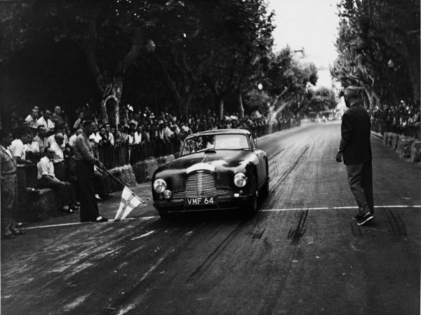 Cannes, France. 27th July 1951.Tommy Wisdom (Aston Martin DB2), 1st in class, action.World Copyright: LAT Photographic.Ref: Autocar Used Pic Pg 887/24 27th July 1951.