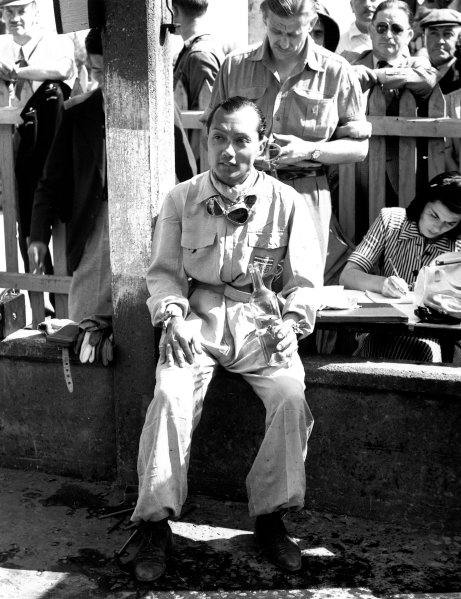 "1947 B.R.D.C. Manx Cup. Douglas, Isle of Man, Great Britain. 9-10 August 1947. Prince ""Bira"" Birabongse Bhanuban (Equipe Gordini) 1st position.  A Race Through Time exhibition number 99. World Copyright - LAT Photographic Ref: C21088"