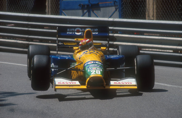 1991 Monaco Grand Prix.Monte Carlo, Monaco.26-28 April 1991.Nelson Piquet (Benetton B191 Ford). He exited the race on the first lap with a collapsed left rear suspension, after being hit by Berger at the start.Ref-91 MON 30.World Copyright - LAT Photographic
