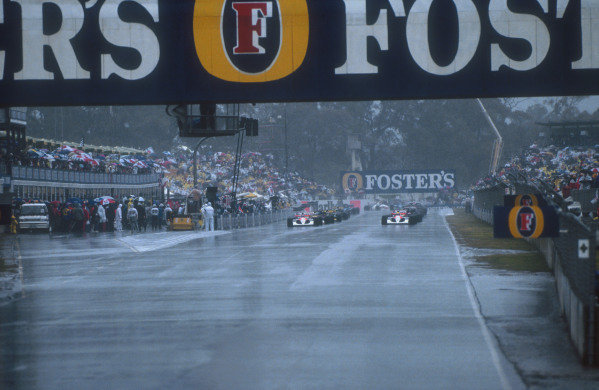 1991 Australian Grand Prix.Adelaide, Australia.1-3 November 1991.The grid lines up ready for the start in the very wet conditions.Ref-91 AUS 01.World Copyright - LAT Photographic