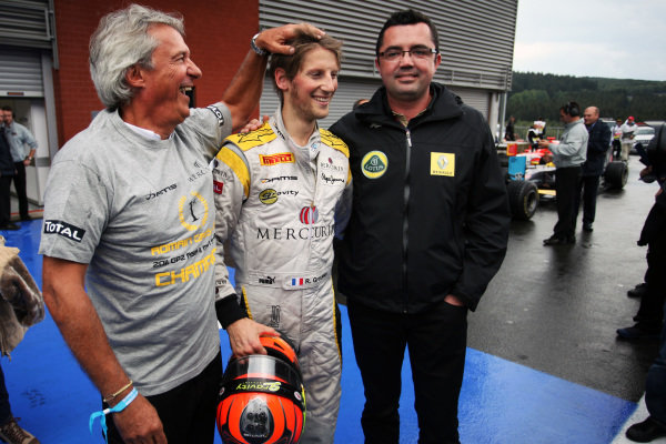 Roman Grosjean (FRA) DAMS celebrates his third place and GP2 Title with Eric Boullier (FRA) Lotus Renault GP Team Principal and Jean-Paul Driot (FRA) DAMS Boss.