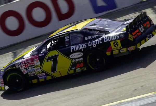 #7 Michael Waltrip at speed.