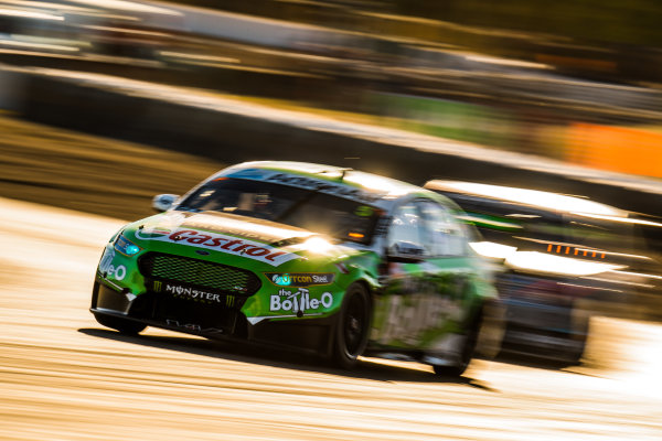 2017 Supercars Championship Round 8.  Ipswich SuperSprint, Queensland Raceway, Queensland, Australia. Friday 28th July to Sunday 30th July 2017. Mark Winterbottom, Prodrive Racing Australia Ford.  World Copyright: Daniel Kalisz/ LAT Images Ref: Digital Image 280717_VASCR8_DKIMG_8045.jpg