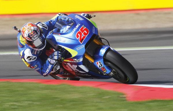 2015 MotoGP Championship.  British Grand Prix.  Silverstone, England. 28th - 30th August 2015.  Maverick Vinales, Suzuki.  Ref: KW7_4021a. World copyright: Kevin Wood/LAT Photographic
