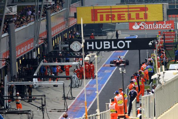 Fernando Alonso (ESP) Ferrari F2012 makes a pit stop. Formula One World Championship, Rd9, British Grand Prix, Race, Silverstone, England, Sunday 8 July 2012.