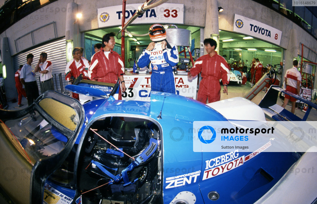 Pierre-Henri Raphanel (FRA) prepares to climb into the TOM's Toyota TS010. Sportscar World Championship, Rd3, 24 Hours of Le Mans, Le Mans, France, 20-21 June 1992.