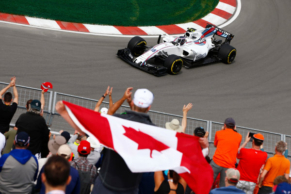 Circuit Gilles Villeneuve, Montreal, Canada. Friday 09 June 2017. Lance Stroll, Williams FW40 Mercedes, waves to his home fans. World Copyright: Andy Hone/LAT Images ref: Digital Image _ONY2718