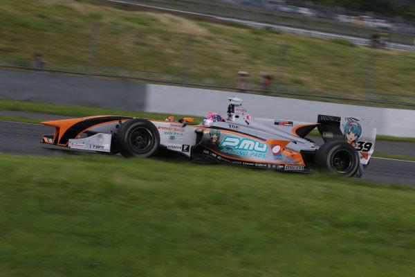 2014 Super Formula Series. Fuji, Japan. 11th - 13th July 2014. Rd 3. 3rd position Yuji Kunimoto ( #39 P.MU / CERUMO?INGING SF14 ), action. World Copyright: Yasushi Ishihara / LAT Photographic. Ref: 2014SF_Rd3_019.JPG