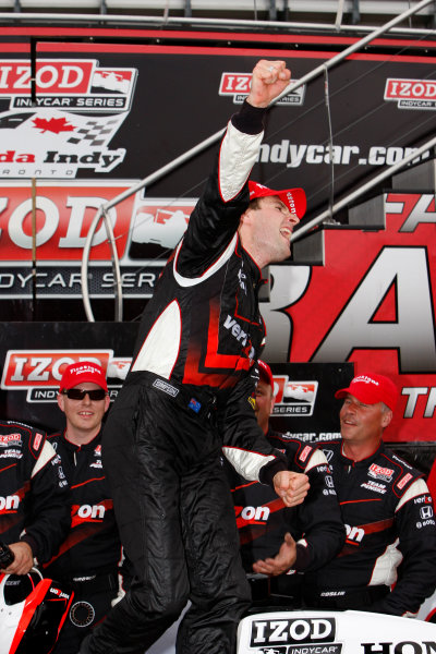 16-18 July, 2010, Toronto, Ontario CAWill Power celebrates his victory©2010, Dan Streck, USALAT Photographic