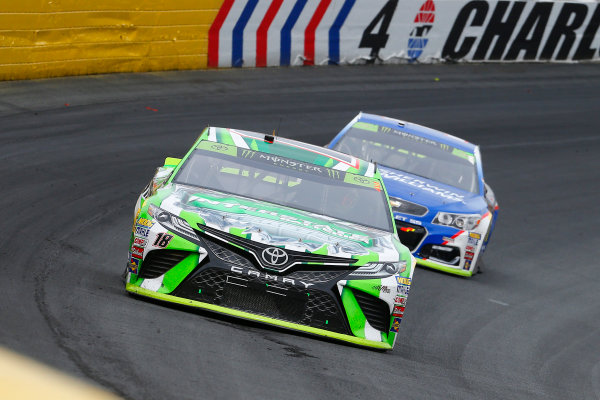 Monster Energy NASCAR Cup Series Bank of America 500 Charlotte Motor Speedway, Concord, NC Sunday 8 October 2017 Kyle Busch, Joe Gibbs Racing, Interstate Batteries Toyota Camry and Jamie McMurray, Chip Ganassi Racing, Sherwin-Williams Chevrolet SS World Copyright: Russell LaBounty LAT Images