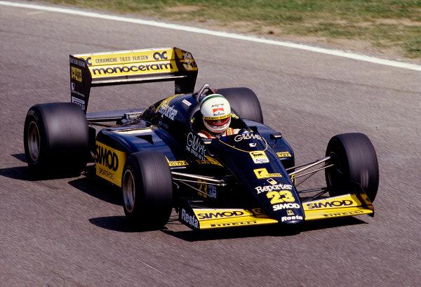 1986 Italian Grand Prix. Monza, Italy. 5-7 September 1986. Andrea de Cesaris (Minardi M186 Motori Moderni). Ref-86 ITA 44. World Copyright - LAT Photographic