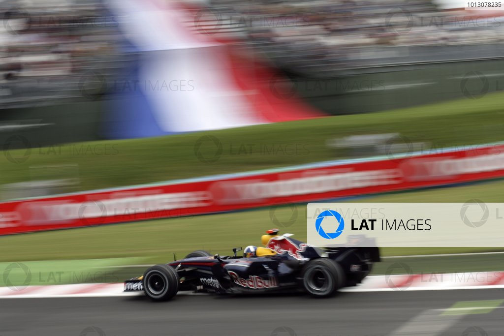 2007 French Grand Prix - Friday PracticeCircuit de Nevers Magny Cours, Nevers, France.29th June 2007.David Coulthard, Red Bull Racing RB3 Renault. Action. World Copyright: Steven Tee/LAT Photographicref: Digital Image YY2Z4302