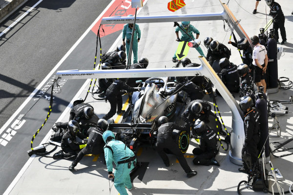 Lewis Hamilton, Mercedes AMG F1 W10, in the pits