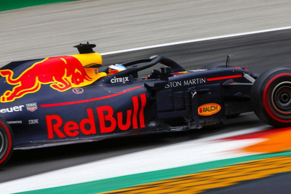 Daniel Ricciardo, Red Bull Racing RB14 Tag Heuer.