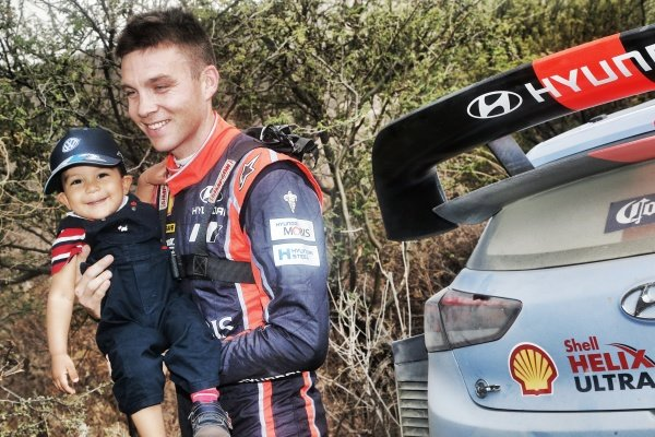 Hayden Paddon (NZL), Hyundai Motorsport WRC and young fan at World Rally Championship, Rd3, Rally Mexico, Preparations and Shakedown, Leon, Mexico, 8 March 2017.