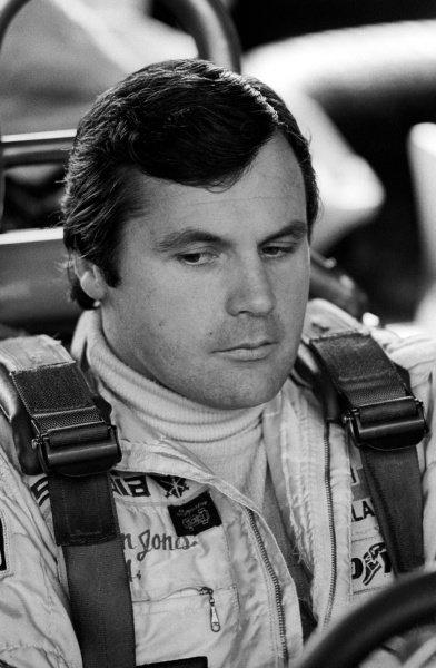 Race winner Alan Jones (AUS) sits in the cockpit of his Williams FW07.Formula One World Championship, Rd12, Dutch Grand Prix, Zandvoort, Holland. 26 August 1979.