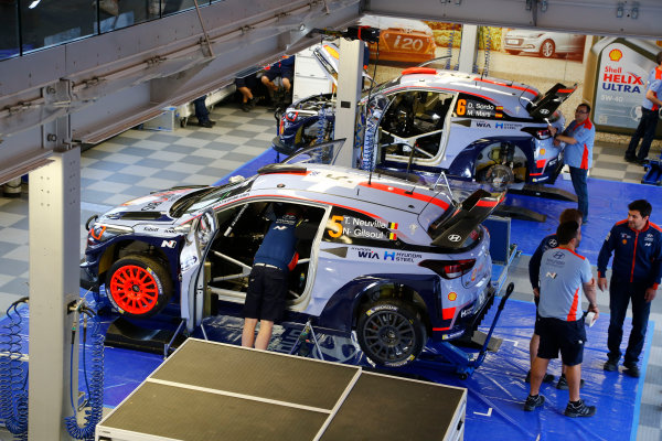 2017 FIA World Rally Championship, Round 04, Rallye de France, Tour de Corse, April 06-09, 2017, Thierry Neuville, Dani Sordo, Hyundai, service Worldwide Copyright: McKlein/LAT