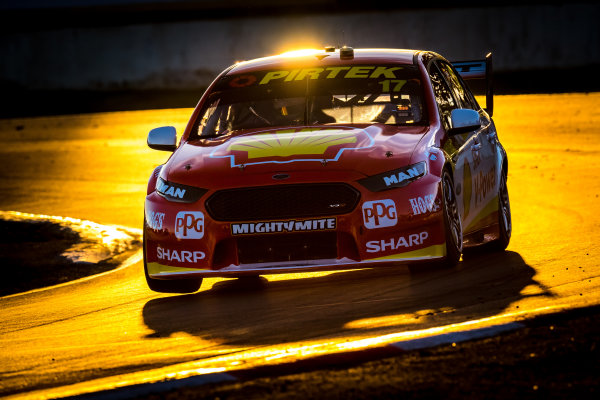 2017 Supercars Championship Round 5.  Winton SuperSprint, Winton Raceway, Victoria, Australia. Friday May 19th to Sunday May 21st 2017. Scott McLaughlin drives the #17 Shell V-Power Racing Team Ford Falcon FGX. World Copyright: Daniel Kalisz/LAT Images Ref: Digital Image 200517_VASCR5_DKIMG_5969.JPG