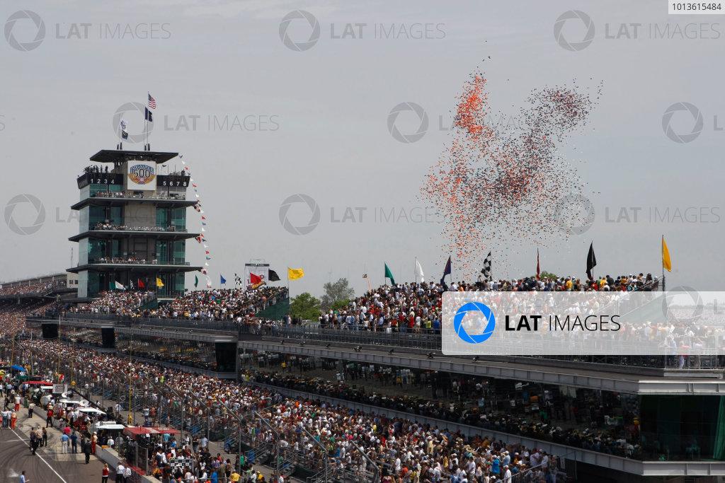 29 May, 2011, Indianapolis, Indiana, USAThe balloon spectacle.© 2011 Phillip AbbottLAT Photo USA