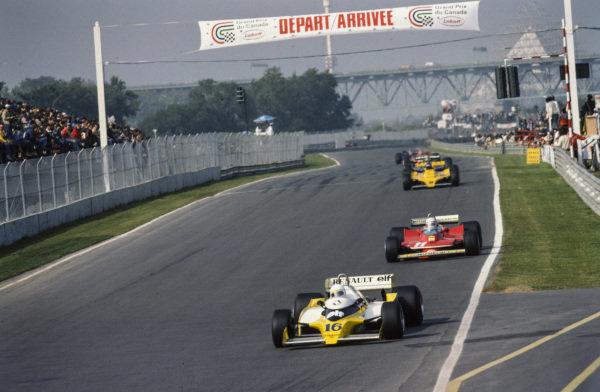 René Arnoux, Renault RS10 leads Jody Scheckter, Ferrari 312T4 and Hans-Joachim Stuck, ATS D3 Ford.