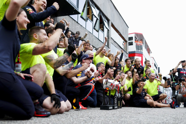 Max Verstappen, Red Bull Racing, 1st position, and the Red Bull team celebrate
