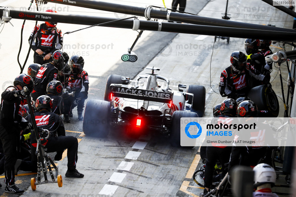 Romain Grosjean, Haas VF-20, leaves his pit box after a stop